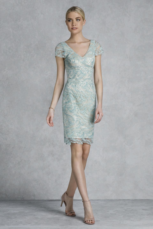 a0fb25181189 04.163 Κλασικό φόρεμα για γάμο κοντό δαντελένιο, διαθέσιμο σε μέντα.