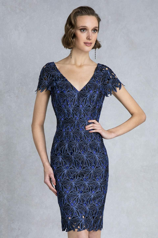 d79bde1c9cb0 04.142 Κλασικό κοντό φόρεμα με μελανζέ δαντέλα