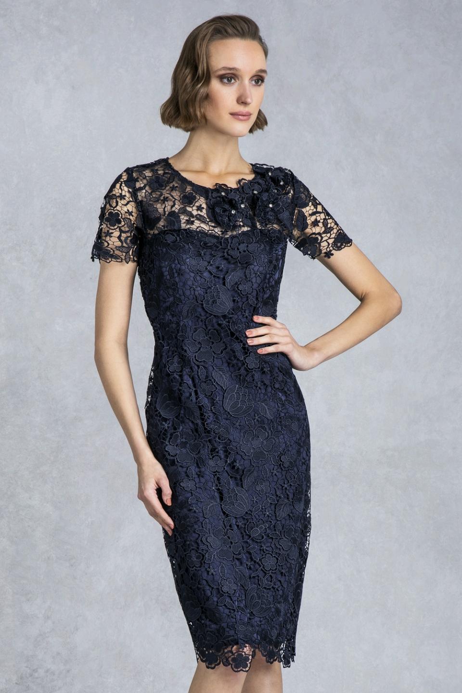 7db829169802 04.113 Κλασικό φόρεμα κοντό με δαντέλα και μανίκια.