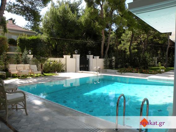 Διαμόρφωση χώρου πισίνας