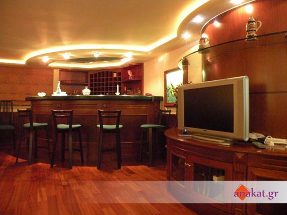 Ειδικές ξύλινες κατασκευές σε ρίζα τριανταφυλλιάς λούστρο
