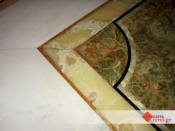Motif au water-jet en marbre sivek et Onyx de différentes teintes